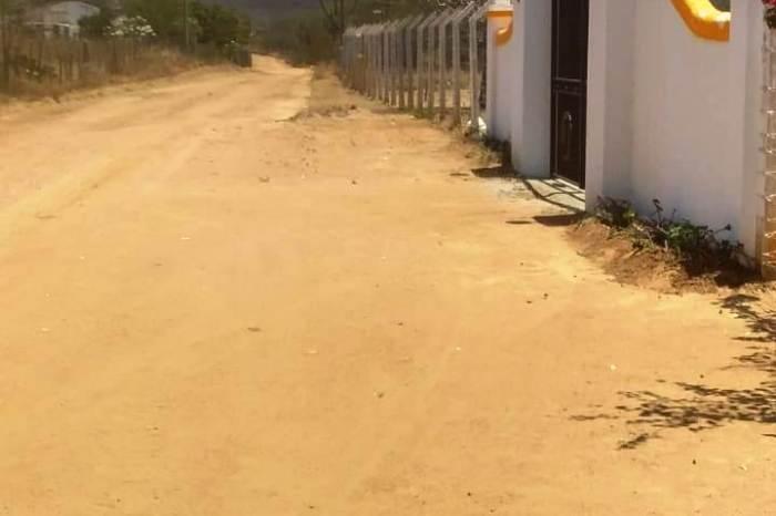 Prefeitura recupera mais 08 estradas vicinais na zona rural de Monteiro