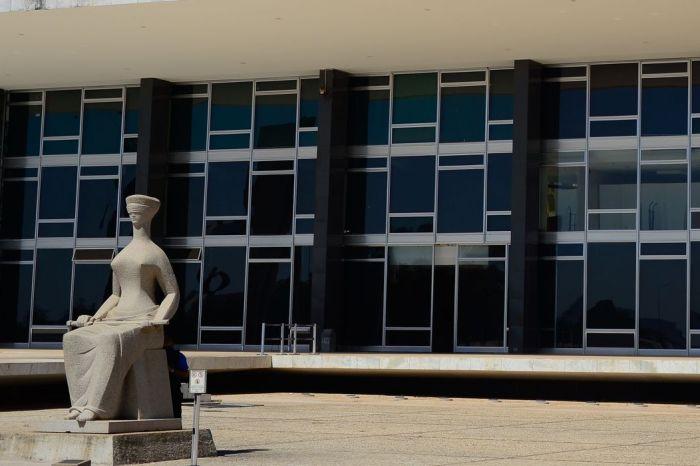 Maioria do STF decide reabrir pedido de gratuidade no Enem 2021