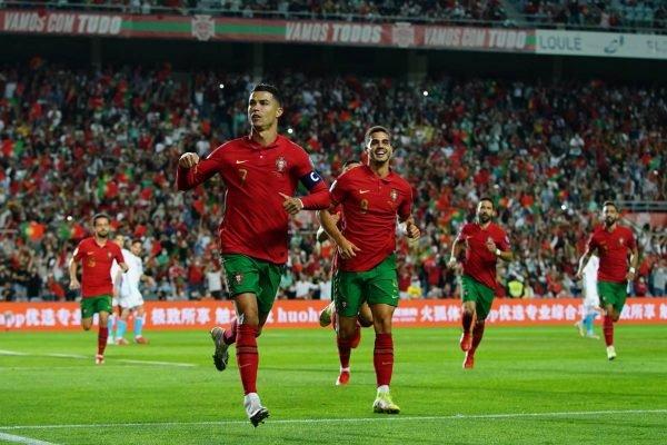 Cristiano Ronaldo marca três e Portugal goleia Luxemburgo nas eliminatórias europeias