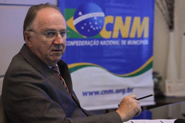 CNM repudia fala de Bolsonaro contra passaporte de vacina; veja nota