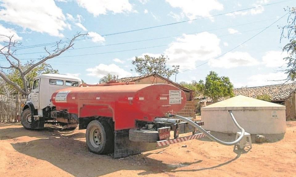 Secretaria de Agricultura de Monteiro atende demandas de diversas regiões do município