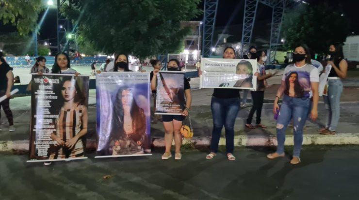 Em Boqueirão: passeata marca 1 ano da morte da estudante Viviane Farias; veja vídeo