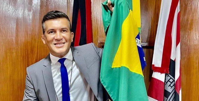 Contra passaporte sanitário, vereador sugere passaporte criminal para ser adotado na PB