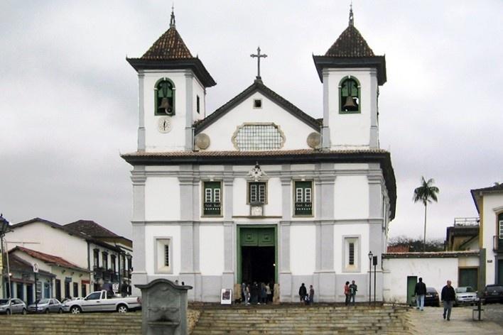 Resultado de imagem para catedral da se mariana