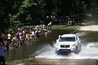 Foj supera un riu ple d'espectadors // Foj Motorsport Coopertires