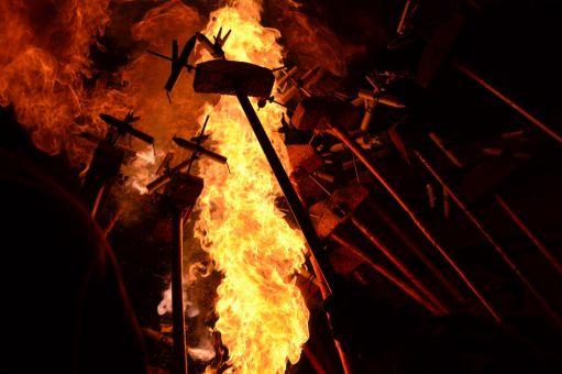 El foc és l'element principal a Molins de Rei la nit de divendres de Festa Major // Elisenda Colell