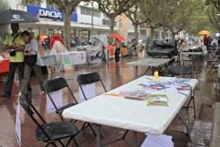 Les activitats infantils han quedat abandonades al començar la pluja // David Guerrero