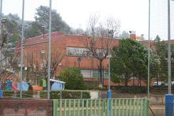 L'escola Castell Ciuró ha obert amb total normalitat malgrat la neu que queia al pati // Elisenda Colell