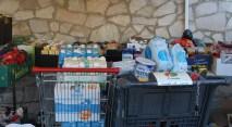 Productes de primera necessitat recollits // Jose Polo