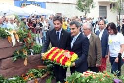Paz, líder del PSC, i Casals, alcalde per CiU, durant l'ofrena floral a Rafael Casanova del 2015 // Arxiu -- Jose Polo
