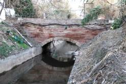 Pont de Can Sant Feliu del Camí, exemple de pont típic del canal // Jordi Julià