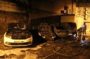 Els quatre cotxes, just després d'apagar el foc // Jordi Julià