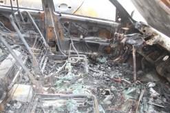 Interior del cotxe on ha començat el foc // Jordi Julià
