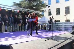 Una de les guanyadores recollint el premi // David Rodríguez