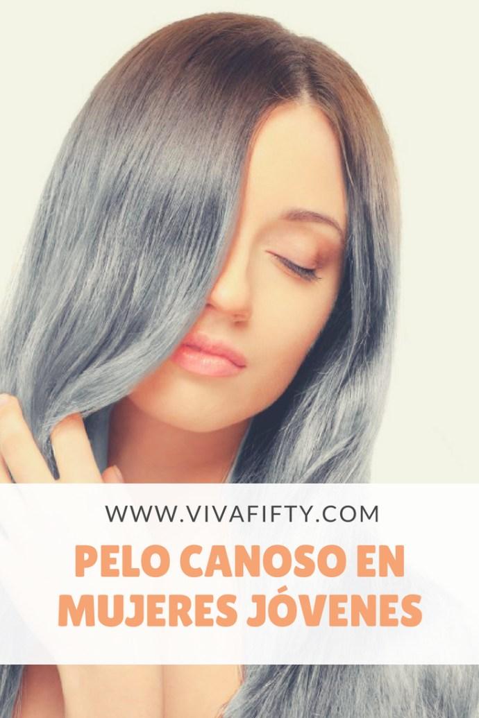 muchas mujeres recién descubren sus primeras canas pasados los 40 o incluso los 50. ¿Y has visto la nueva moda? Las muchachas de 20 años se decoloran para lucir el pelo canoso… quién lo hubiera pensado. #canas #pelogris #peloblanco