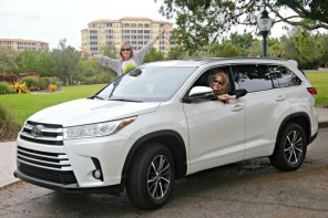 Picking up my sister from the airport in the Toyota Highlander 2018