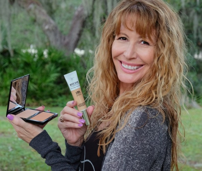 I´ve been taking care of my skin since I was a teenager. I feel a lifetime of skincare helps me have a smooth complexion in my fifties. #skincare #beauty