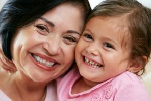 Las abuelas y su importante rol como cuentacuentos