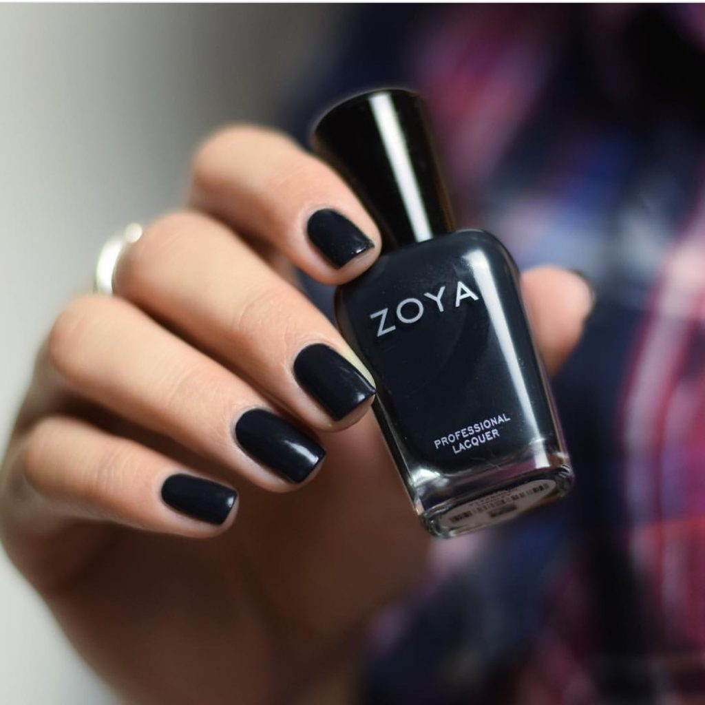 black-nail-polish-winter-trend-colors