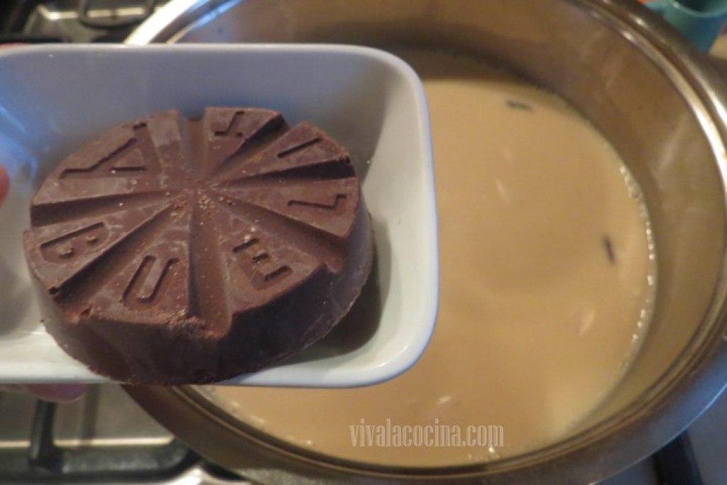 Agregar el Chocolate para el Champurrado