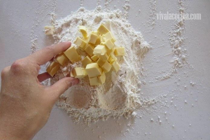 Mezclar Mantequilla para la Tarta Tatin
