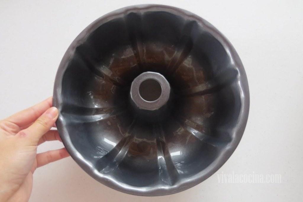 Engrasar un molde con aceite vegetal