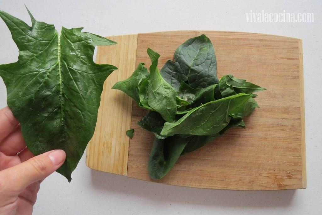 Limpiar las Espinacas para la salsa de las crepas
