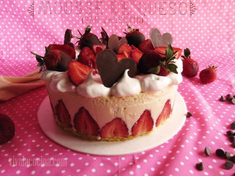 tarta de mousse de queso y fresas