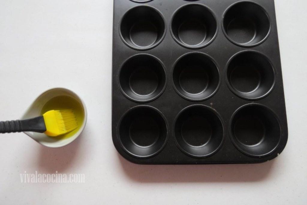 Barnizar el Aceite para las Mini Frittatas