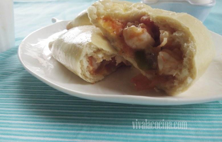 Relleno de camaron con vegetales en Empanada