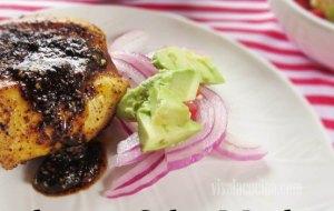 Pescado en Salsa Macha con Ensalada de Cebolla. Receta fácil