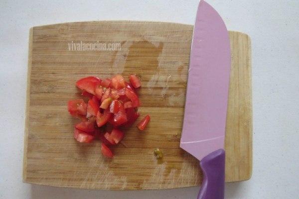 Picar el Tomate para el Pescado en Salsa Macha