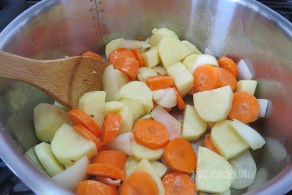 Incorporar las verduras