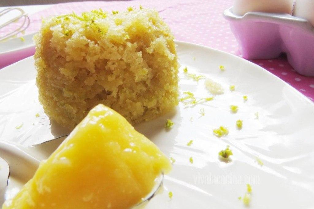 Mugcake de limón y lemon curd