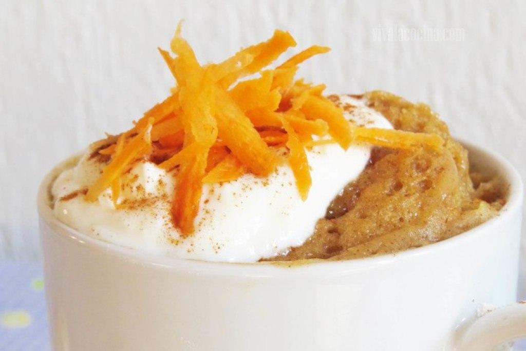Cómo Preparar Mug Cake de Zanahoria y Yogur Griego