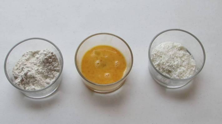 Cómo preparar empanizado para los camarones