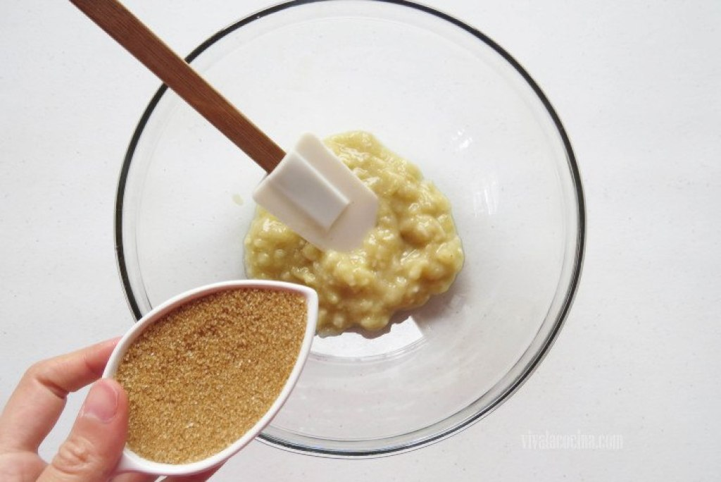 Agregar azúcar moreno