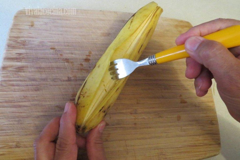 Cómo picar el plátano para que penetre el jarabe