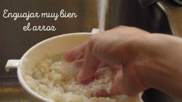 Cómo enjuagar el arroz