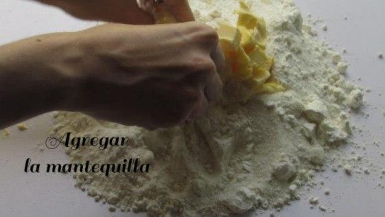 mantequilla para hacer la masa de los cubiletes de queso