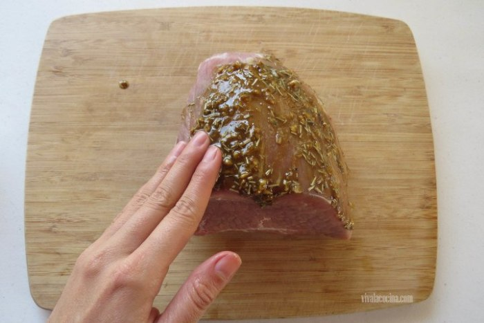 marinar la carne para hacer roast beef en olla lenta