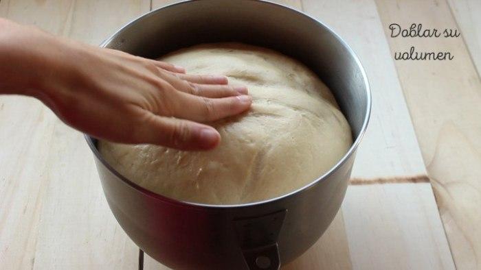 reposar masa del pan de nata