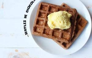 Waffles de Chocolate Caseros: Delicioso Desayuno, Merienda o Postre