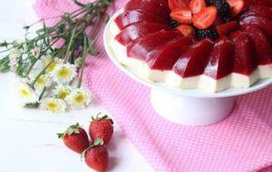 Gelatina de Fresa y Leche: Postre Delicioso y Muy Fácil. VideoReceta