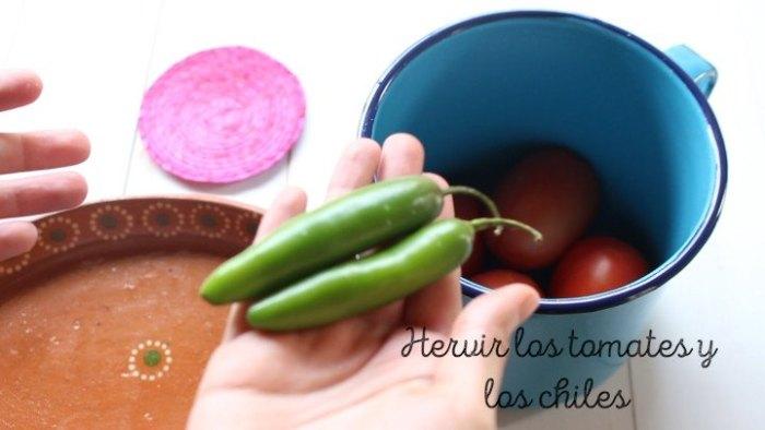 Cómo hervir los tomates y los chiles