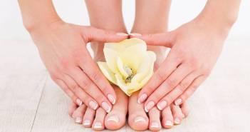 Calli e duroni su piedi e mani - cause e rimedi naturali. Scopri i metodi naturali più efficaci per eliminare i calli e i duroni ai piedi ed alcuni consigli utili per la cura dei piedi e delle mani.