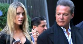 The girlfriend of Luis Miguel poses with his outfit more risky