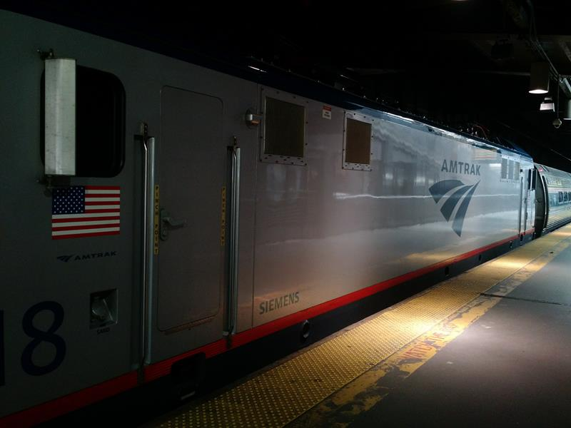 Trem Amtrak rumo a Red Bank New Jersey