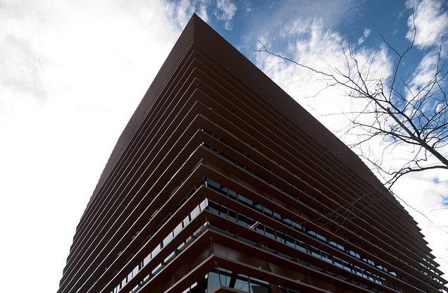 """""""Se equivocan las autoridades de la competencia cuando impugnan normas urbanísticas reguladoras del uso de las edificaciones como en los casos de pisos turísticos"""""""