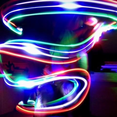 dia-del-niño-aprende-pintar-con-luz-celebra-viviendo-en-casa 29/04/20